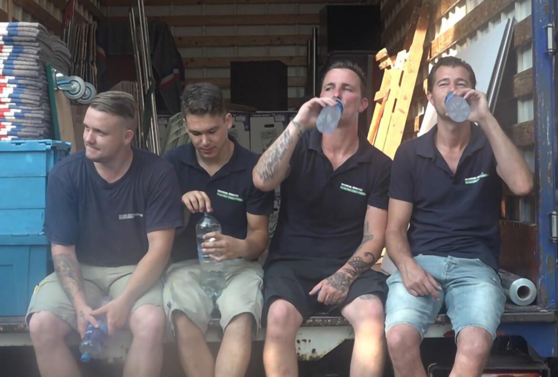 Verhuizen in de hitte: Omroep West liep een dagje mee met onze toppers!